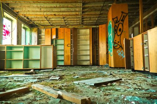 Fast Affordable Old Broken Furniture Removal Sydney SameDay - Removal of old furniture
